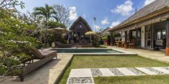 BEAUTIFUL TROPICAL VILLA IN BUKIT UNGASAN