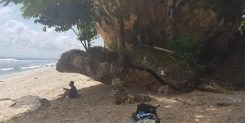 AN AMAZING 5 ARE COMMERCIAL FREEHOLD BLOCK OF LAND BALANGAN BEACH